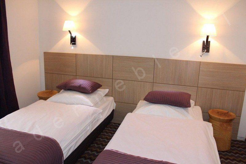 Meble hotelowe - system Megi, panel zagłówkowy. Realizacja Hotel Sasanka - Szklarska Poręba