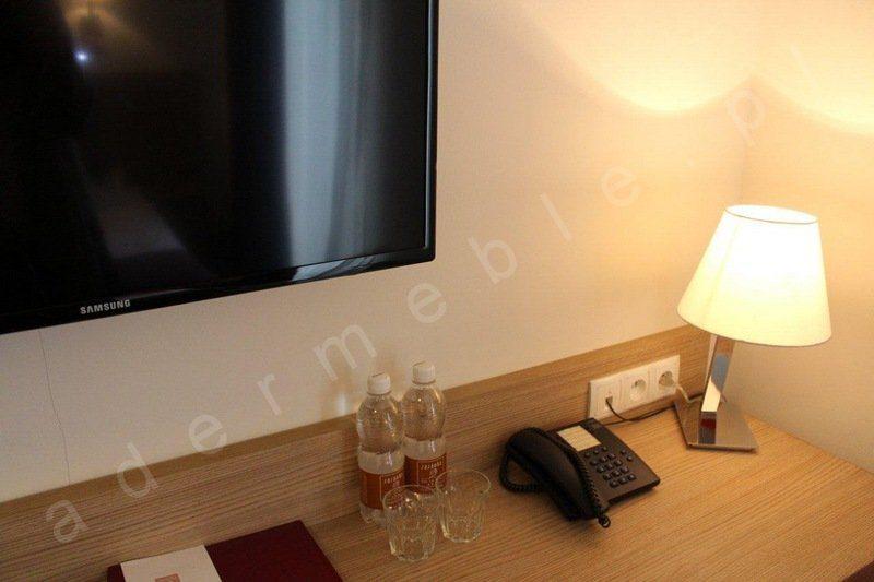 Meble hotelowe - system Megi, toaletka. Realizacja Hotel Sasanka - Szklarska Poręba