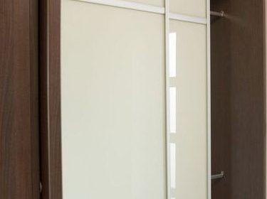 Szafa wnękowa, drzwi przesuwne, szafa z drzwiami szklanymi w ramce ALU, szkło mleczne