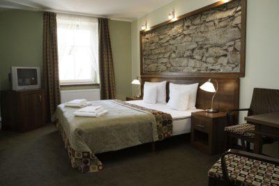 Łóżka hotelowe